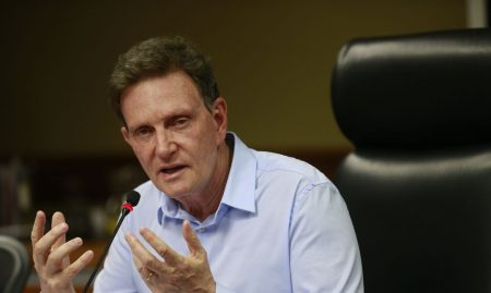 Crivella escapa de novo do impeachment